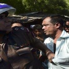 - آلاف من المسلمین الروهینغا یفرون من العنف ببورما